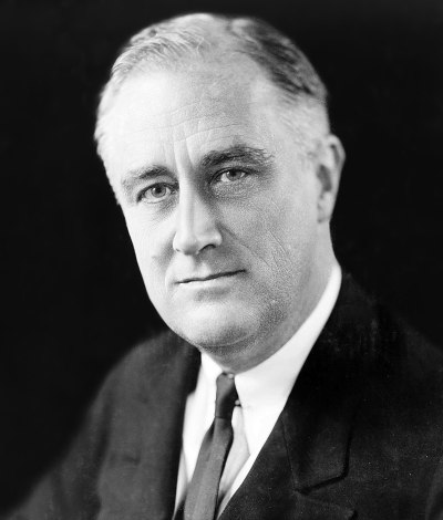 1920px-fdr_in_1933