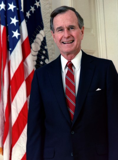 george_h-_w-_bush2c_president_of_the_united_states2c_1989_official_portrait